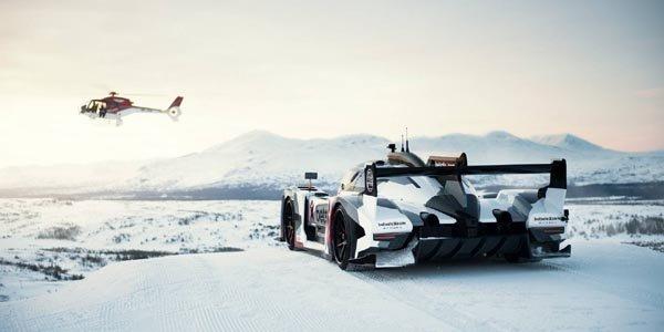 Jon Olsson avec sa Rebellion R2K sur neige