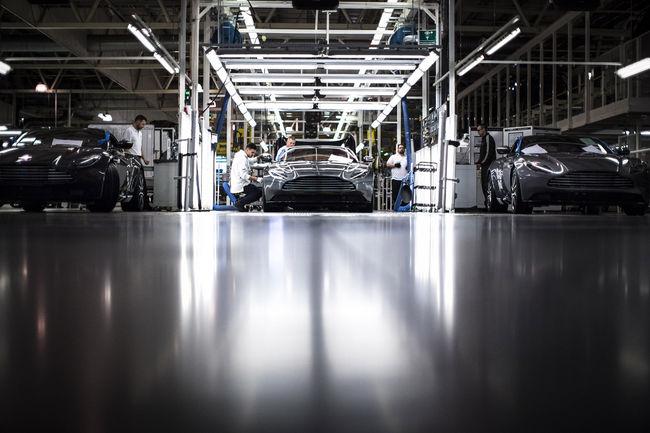 Ventes : Aston Martin termine 2017 en beauté