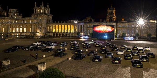 50 Aston Martin réunies à Blenheim Palace