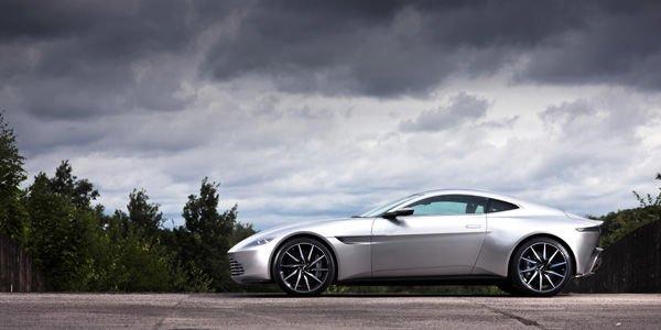 L'une des Aston Martin DB10 de 007 aux enchères