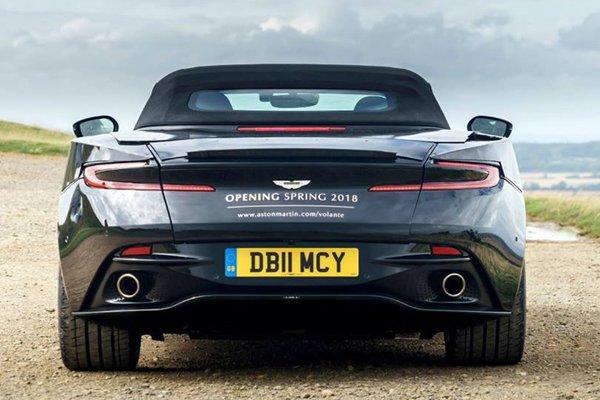 Aston Martin DB11 Volante : premières images