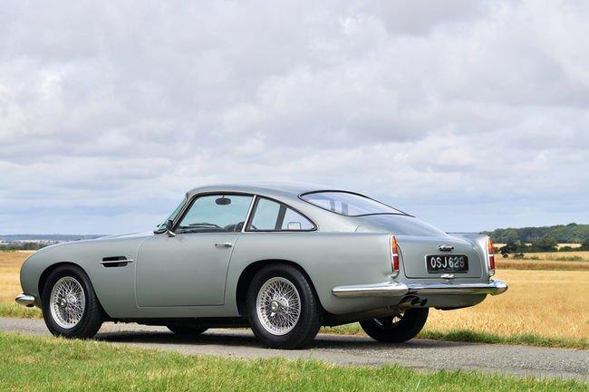 RM Sotheby's : festival Aston Martin DB4 à Londres