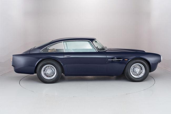 A vendre : Aston Martin DB4 de pré-production