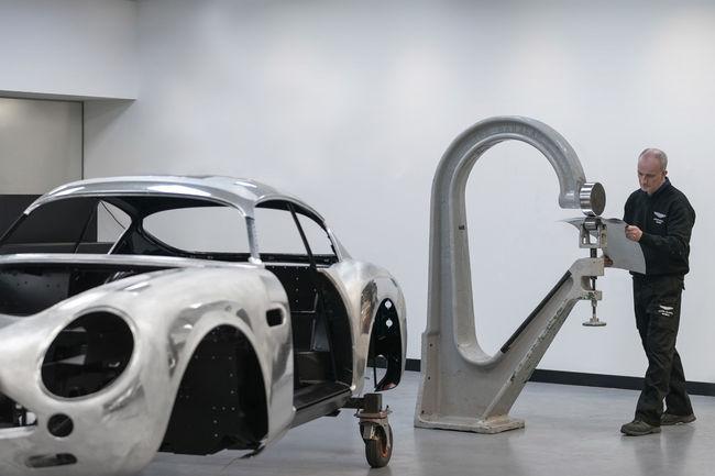 Début de fabrication de la DB4 GT Zagato Continuation
