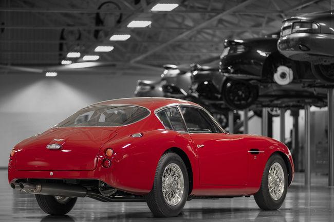 L'Aston Martin DB4 GT Zagato Continuation exposée au Mans