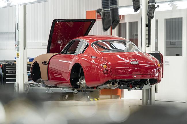Ruote Borrani et l'Aston Martin DB4 GT Zagato Continuation