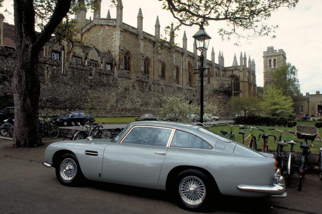 Aston Martin va recréer la DB5 de Goldfinger