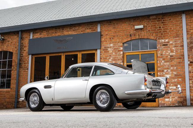 L'Aston Martin DB5 de James Bond aux enchères