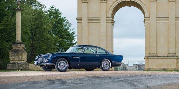 Une Aston DB5 aux enchères à Silverstone