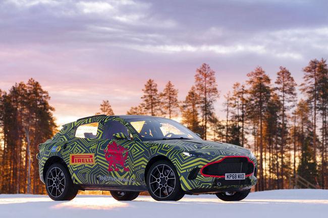L'Aston Martin DBX en essais en Suède