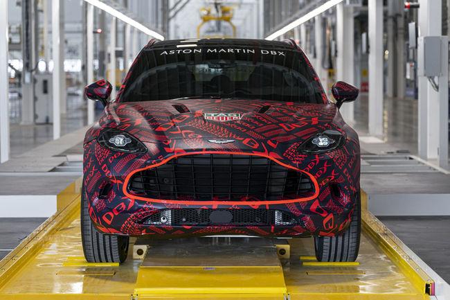 L'Aston Martin DBX sort des ateliers de St Athan