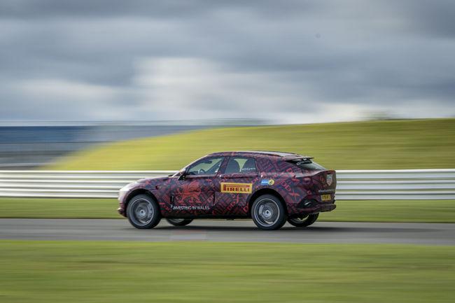 Un V8 de 550 ch pour l'Aston Martin DBX