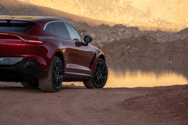Aston Martin présente son premier SUV : le DBX