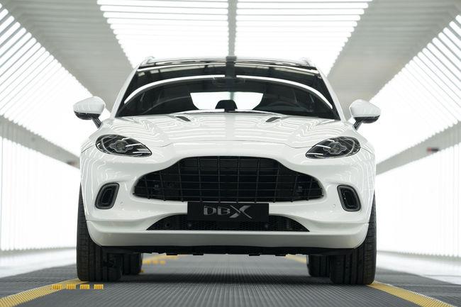 Aston Martin : inauguration du site de St Athan
