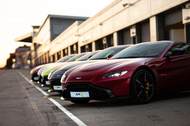 Aston Martin : le programme des stages de conduite 2019