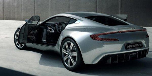 Aston Martin One 77 : la cour est vide