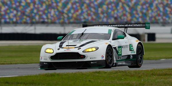 L'Aston Martin V12 Vantage officielle prête pour Daytona