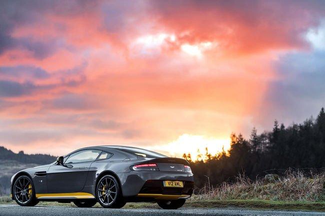 Aston Martin V12 Vantage S : retour de la boîte manuelle