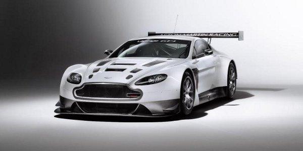 1ers tests pour l'AMR V12 Vantage GT3