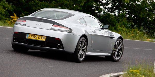 L'Aston V12 Vantage perd le toit