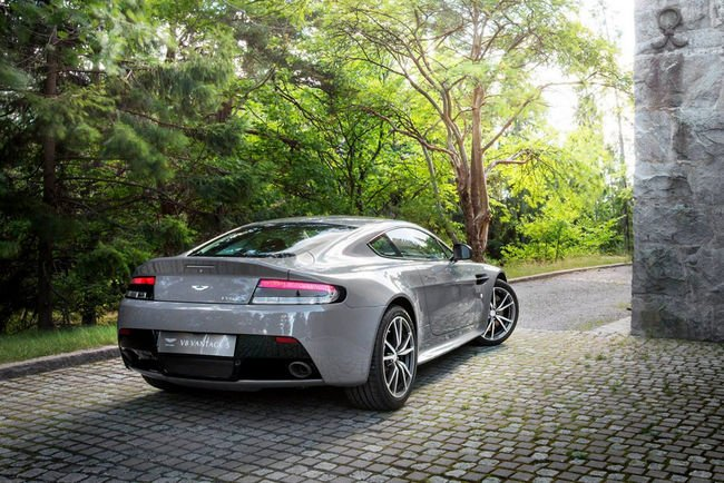 Aston Martin Vantage S Swedish Forest Edition