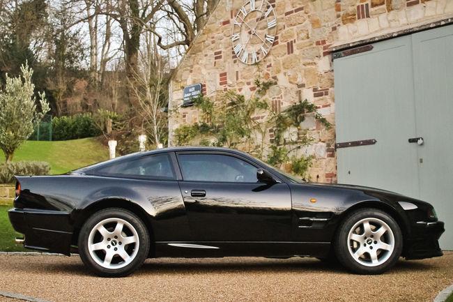 Une Aston Martin V8 Vantage ex-Elton John aux enchères