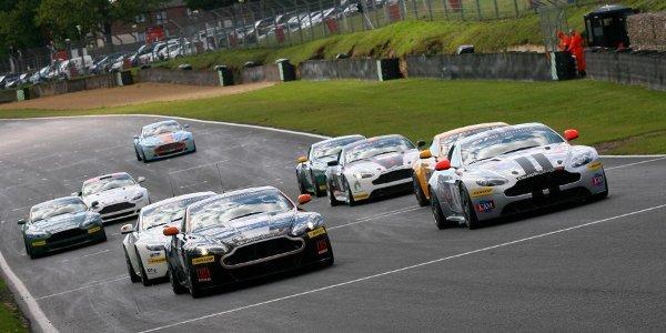 Aston Martin GT4 Challenge à Dijon