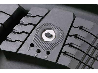 Nokian réinvente les pneus clous de Bond
