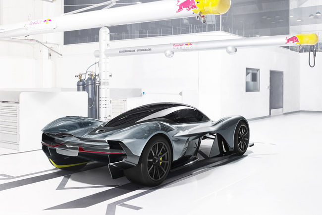 Aston Martin Valkyrie : avec 1 130 ch ?