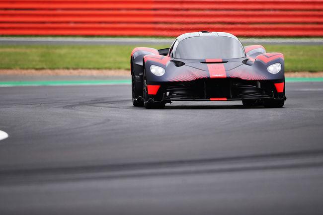 L'Aston Martin Valkyrie en piste à Silverstone