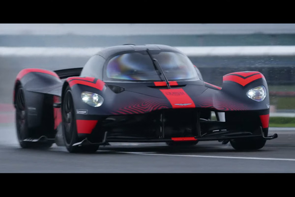 Aston Martin Valkyrie : toujours plus d'action