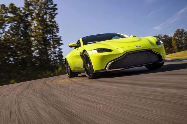 Aston Martin Vantage, tout pour le sport !