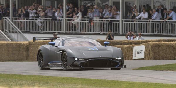L'Aston Martin Vulcan en action à Goodwood