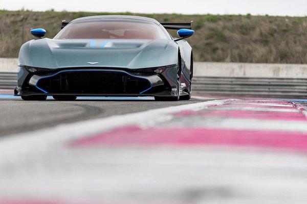 L'Aston Martin Vulcan bientôt sur la route