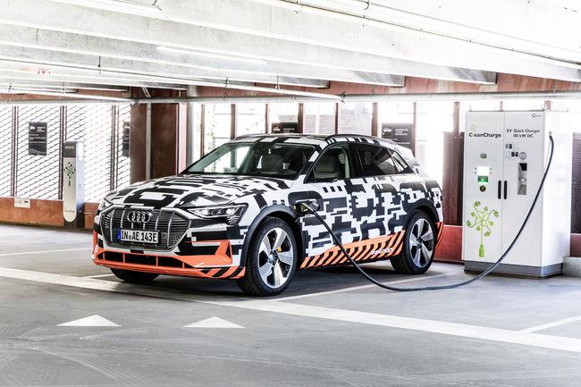L'Audi e-tron  prototype dévoile son intérieur