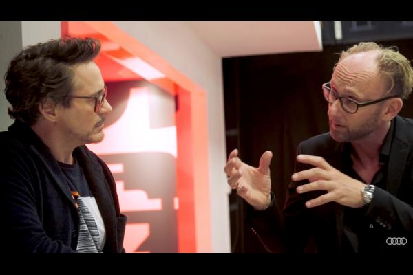 Robert Downey Jr (Iron Man) présente l'Audi e-tron GT concept