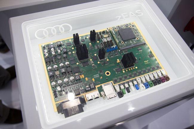 CES : Audi Q7 deep learning concept