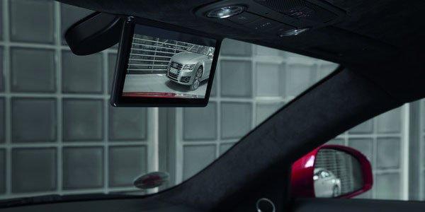 Un rétro numérique pour l'Audi R8 e-tron
