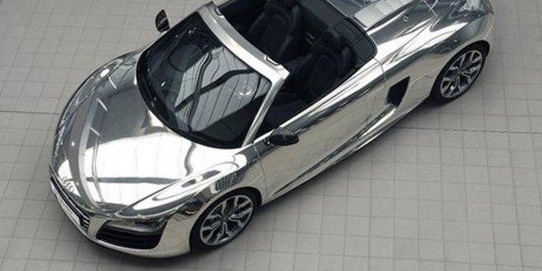 Vente Elton John d'Audi R8 V10 Spyder