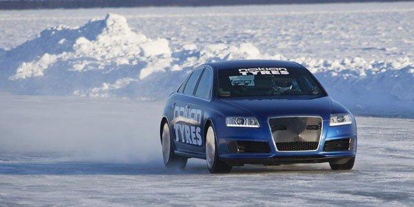 Audi bat le record sur glace de Bentley