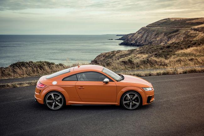 Audi TTS : ouverture des commandes