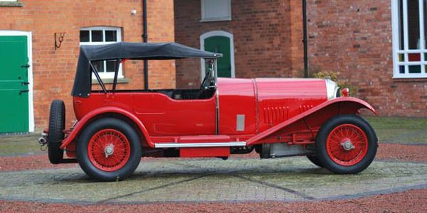 Une Bentley brille à la vente Bonhams du RAF Museum