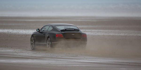 Record de vitesse pour Bentley et Idris Elba