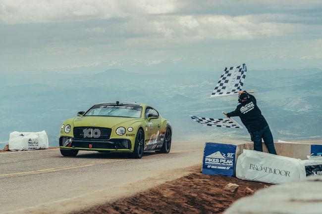 Pikes Peak : à bord de la Continental GT du record