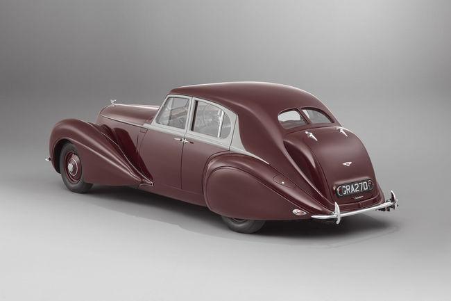Bentley recrée la Corniche de 1939
