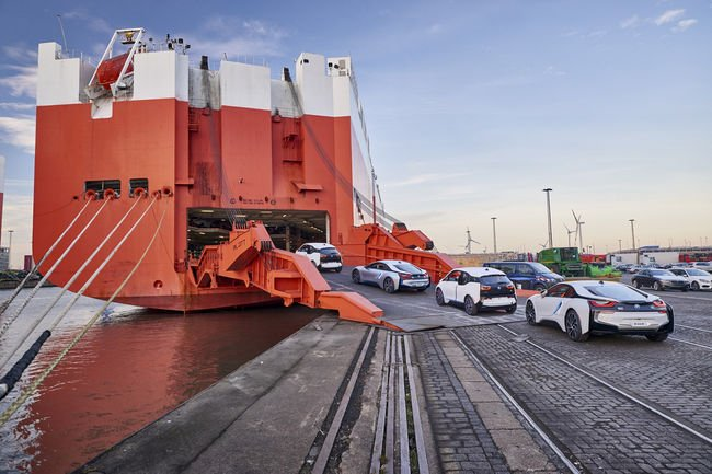 BMW célèbre trois ans de mobilité électrique