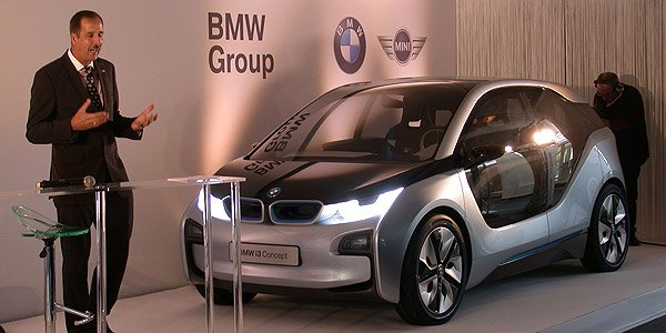 BMW i3, premiers tours de roues à Paris