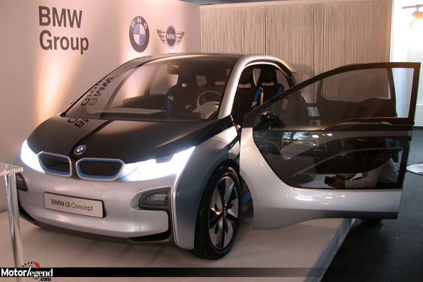 bmw i3 premiers tours de roues paris actualit automobile motorlegend. Black Bedroom Furniture Sets. Home Design Ideas