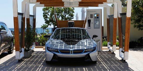 Ecologie : BMW présente son garage solaire