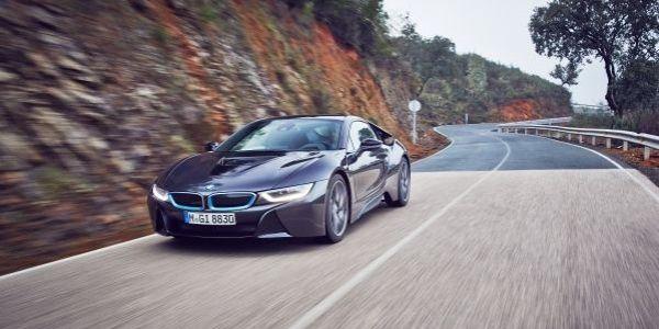La BMW i8 allège ses portières